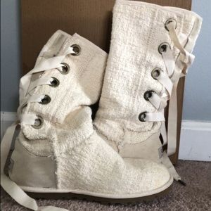 White heirloom lace up women's uggs